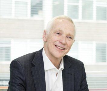 Portrait de Ken Lever